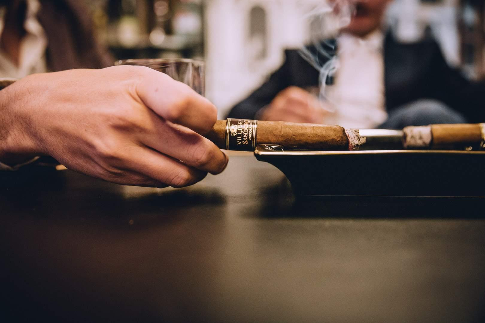 cigar-in-ashtray